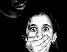 Thủ phạm quan hệ với trẻ 12 tuổi được tự do vì nạn nhân trông như 16 tuổi
