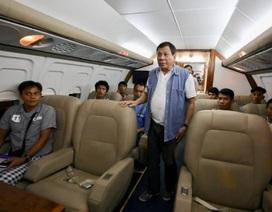 Tổng thống Philippines điều máy bay riêng chở binh sĩ bị thương
