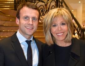 """Tổng thống Pháp bênh vực vợ trước """"miệng lưỡi thế gian"""""""