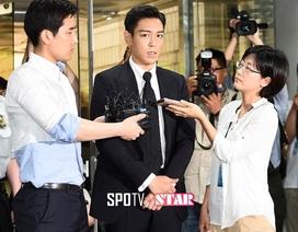 """T.O.P bị tuyên án 10 tháng """"bóc lịch"""" vì sử dụng cần sa trái phép"""