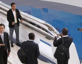 """Vì sao Trung Quốc """"vỡ mộng"""" tham vọng đường sắt cao tốc?"""