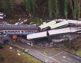 Hiện trường ngổn ngang vụ tàu hỏa trật bánh khiến 3 người chết tại Mỹ