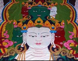 Tranh cuộn Phật Bà bằng gấm, nặng 100kg xác lập kỷ lục Việt Nam