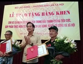 Bộ LĐ-TB&XH trao bằng khen tới 2 lão nông dũng cảm tố cáo tham nhũng