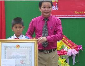 Trao Huân chương của Chủ tịch nước đến học sinh lớp 5 cứu hai em nhỏ khỏi đuối nước