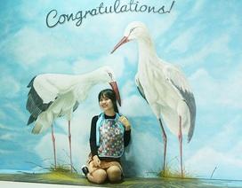 Bạn trẻ Hà Nội khám phá triển lãm tranh 3D đến từ nước Bỉ