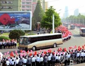 Triều Tiên ăn mừng phóng tên lửa thành công