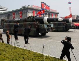 Toàn cảnh lễ duyệt binh lớn chưa từng có của Triều Tiên