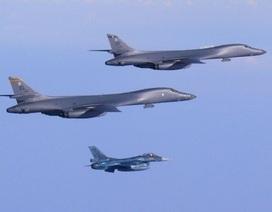 """Máy bay Mỹ - Nhật tập trận """"nắn gân"""" Triều Tiên"""