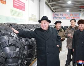 Ông Kim Jong-un nói gì sau khi Triều Tiên phóng siêu tên lửa?