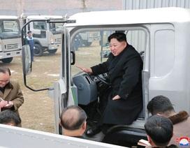 Thăm nhà máy ô tô, ông Kim Jong-un nêu cao tinh thần bất khuất của Triều Tiên