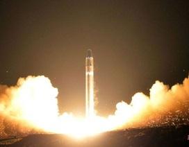 Phi hành đoàn chứng kiến khoảnh khắc nghi là tên lửa Triều Tiên nổ trong khí quyển
