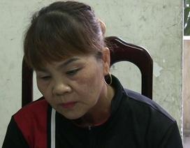 2 người đàn bà trộm 1.900 Nhân dân tệ của khách Trung Quốc