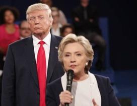 Ông Trump bất mãn khi bà Clinton không bị điều tra về mối liên hệ với Nga