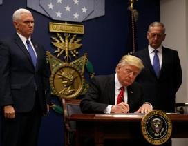 Tổng thống Trump ký lệnh hạn chế người Hồi giáo nhập cư vào Mỹ