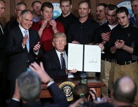 Tổng thống Trump ký sắc lệnh bãi bỏ di sản thứ hai thời Obama