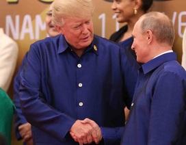 Tổng thống Trump và Putin trò chuyện chớp nhoáng tại sự kiện APEC