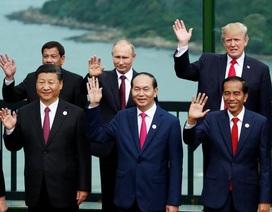 Những khoảnh khắc ấn tượng trong chuyến công du châu Á lịch sử của Tổng thống Trump