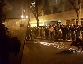 Bạo lực bùng phát tại Paris vì cảnh sát Pháp bắn chết người Trung Quốc