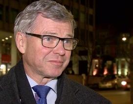 Cựu Thủ tướng Na Uy sốc vì bị tạm giữ tại sân bay Mỹ