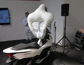 Honda thử nghiệm lắp túi khí cho xe tay ga PCX