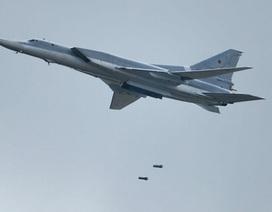 """""""Chim sắt"""" Nga dội bom san phẳng sào huyệt IS ở Syria"""