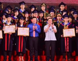 Hà Nội đặc cách 25 thủ khoa xuất sắc vào thẳng công chức