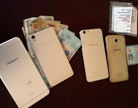 Nam thanh niên cướp nhầm điện thoại mô hình