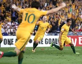 Người hùng Cahill giúp Australia vượt qua Syria trong trận cầu nghẹt thở
