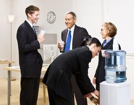 Tại sao việc uống đủ nước tại nơi làm việc là điều cực kỳ quan trọng?