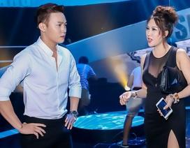 """Phi Thanh Vân xuất hiện bên """"trai lạ"""" sau tuyên bố từ giã showbiz"""