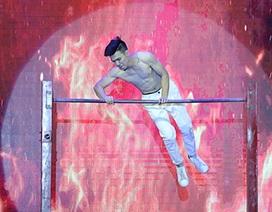 Nam sinh khoe cơ bụng 6 múi trong cuộc thi tài sắc ĐH Văn hóa