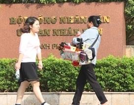 """Bản tin 14h: Hà Nội bỏ quy định cán bộ nữ phải """"mặc váy dài đến gối"""""""