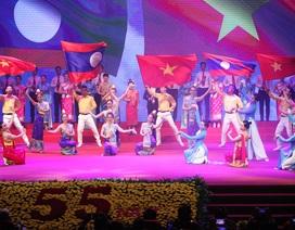 Tổng Bí thư: Việt Nam - Lào xây đắp nên mối tình hữu nghị vĩ đại!