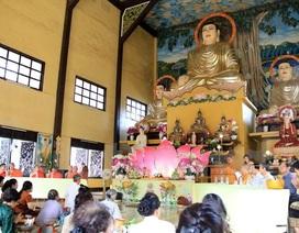 Cộng đồng người Việt tại Lào mừng đại lễ Phật Đản 2561