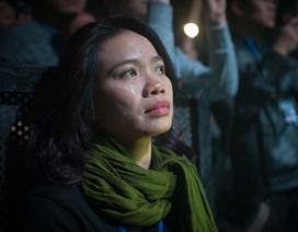Vợ ca sĩ Trần Lập nghẹn ngào khi thấy bóng dáng, giọng hát của chồng