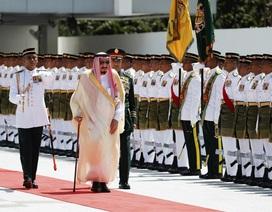 Vua Ả rập Xê út mang theo 1.500 người tháp tùng trong chuyến thăm châu Á