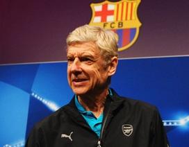 HLV Wenger phản đối Barcelona tới thi đấu ở Premier League