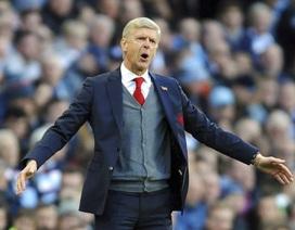"""Arsenal thua vì trọng tài hay """"tự sát""""?"""