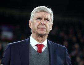 HLV Wenger cân bằng kỷ lục đáng nể của Sir Alex Ferguson