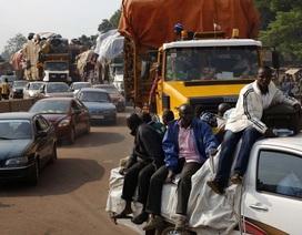 Xe khách gặp nạn vì quá tải, 78 người chết