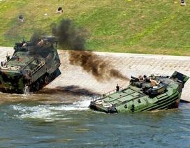 Xe thiết giáp Mỹ bốc cháy, 6 binh sĩ nguy kịch