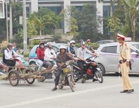 """Chủ tịch Hà Nội: Phải thu hồi hàng triệu ô tô, xe máy """"quá đát"""""""