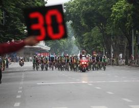 """Cuộc đua xe đạp """"Về Trường Sơn 2017"""" khởi tranh bên hồ Gươm"""