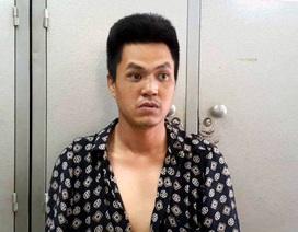 """Hà Nội: Vờ va chạm giao thông, con nghiện lên ô tô """"xin đểu"""""""