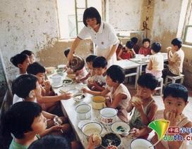 Trung Quốc: Cô giáo dành cả đời dạy trẻ câm điếc