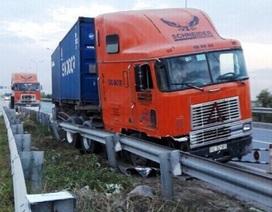 Lắp dải phân cách cứng sau vụ container lao vào làn đường xe máy trên cao tốc