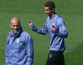 """Zidane: """"Tôi ghen tỵ với cả hai Ronaldo"""""""