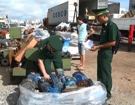 Điều tra vụ 2 xe container vận chuyển hàng hóa không rõ nguồn gốc