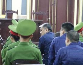 Ông Trần Bắc Hà xin vắng mặt tại tòa vì đang nằm viện